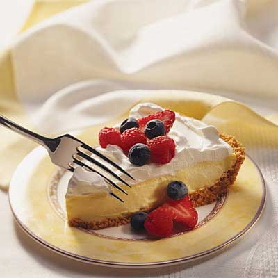 Creamy Lemon Pie with Berries