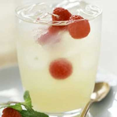 Honey Lemonade with Raspberry Cubes