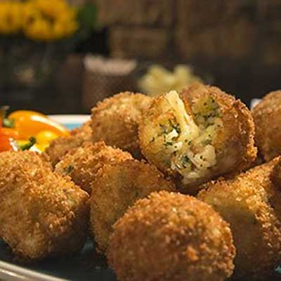Rice Balls Stuffed with Fontina Cheese