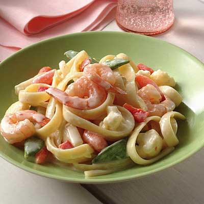 Shrimp & Vegetable Fettuccine Alfredo