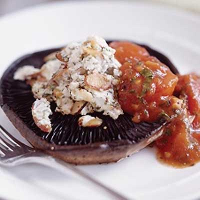 Stuffed Portobello Mushrooms with Tomato Sauce