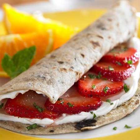 Strawberry Cream Cheese Roll-Ups