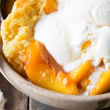 Slow Cooker Peach Cobbler