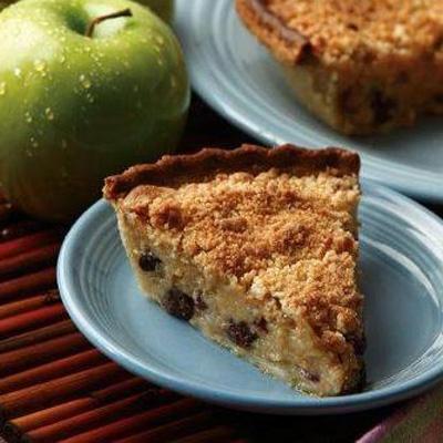 Apple Raisin Custard Pie