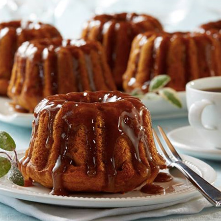 Mini Caramel Pumpkin Bundt Cakes