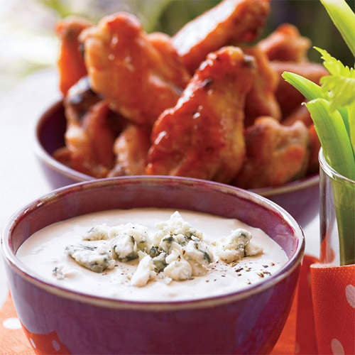Hot Wings with Blue Cheese Dipping Sauce