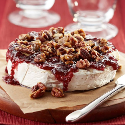 Raspberry Brie with Caramelized Pecans