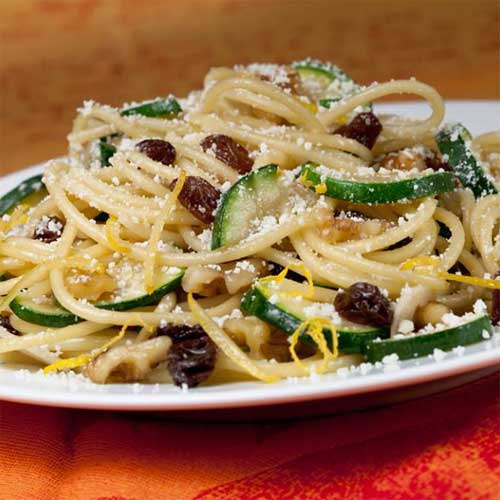 Lemon-Garlic Pasta with Zucchini and Raisins