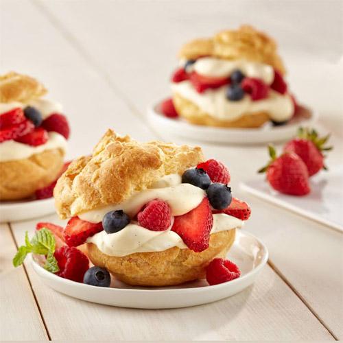 Fresh Berry Cream Puffs
