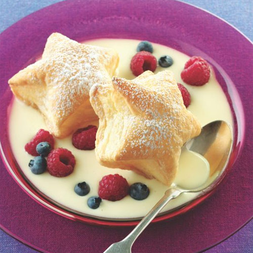 Puff Pastry Stars with Custard Sauce