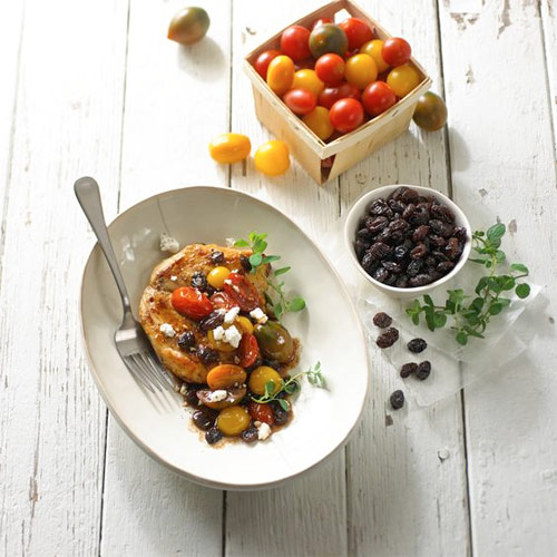 Skillet Chicken with Tomato, Raisins and Feta