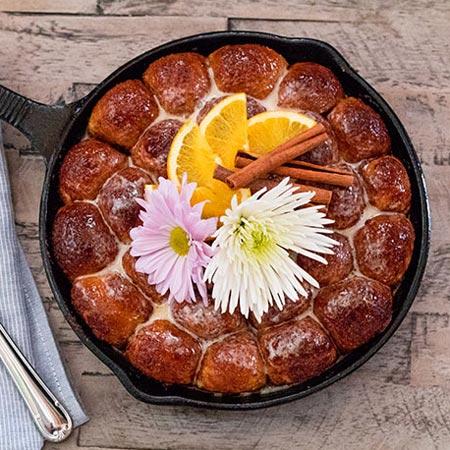 Cinnamon Honey Pull-Apart Rolls