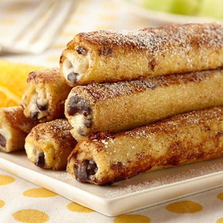 Cannoli French Toast Rolls for a Breakfast Treat