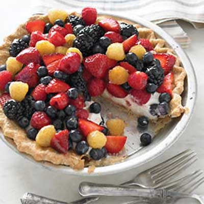 Easy Sour Cream Berry Pie