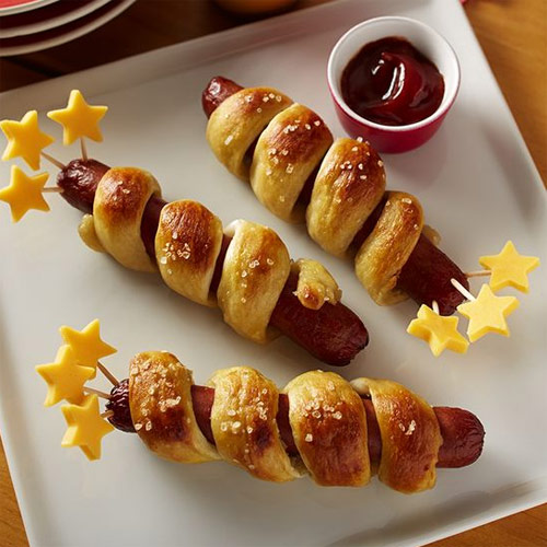Enjoy the Game with these Pretzel Hot Dogs